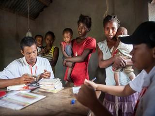 mamme con bimbi per visita nutrizionale